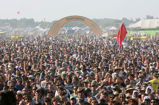 Bonnaroo crowd entrance bands lineup