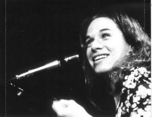 Carole King singer songwriter female performing