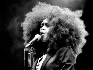 Erykah Badu neo soul singer songwriter musician rapper singer