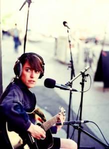 Feist singer singer writer female musician beautiful