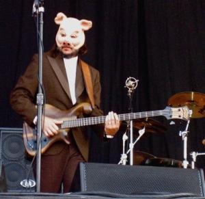 Les Claypool, evil super villain bass player of music