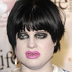Kelly Osbourne, gross