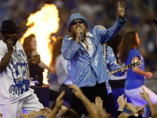 Kid Rock, Son of Detroit, ruining Thanksgiving at the Detroit Lions Halftime Show